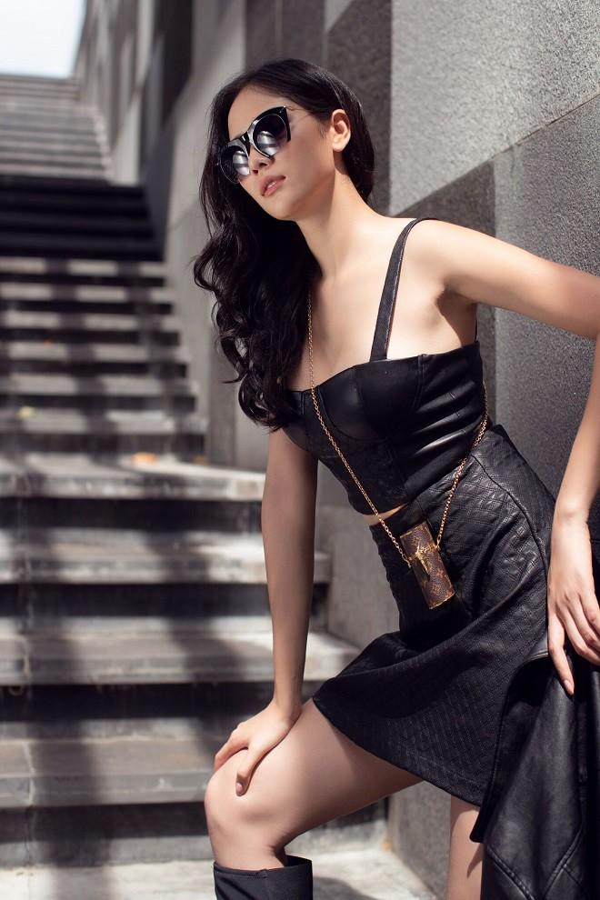 Á hậu Hoàng Hạnh sexy dạo phố - Ảnh 10.