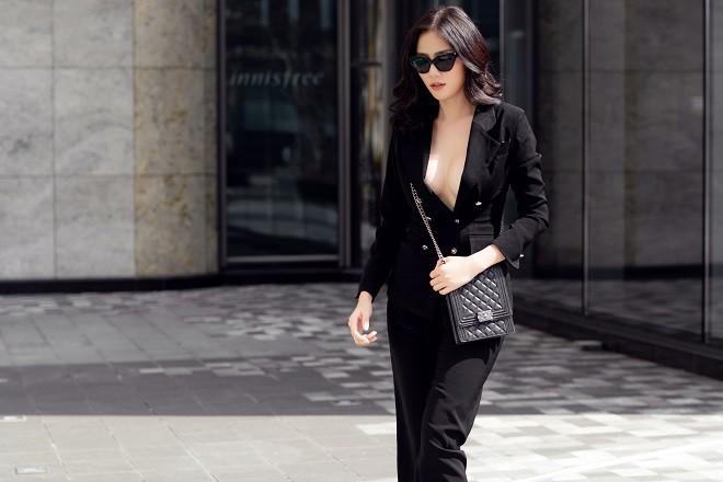 Á hậu Hoàng Hạnh sexy dạo phố - Ảnh 6.