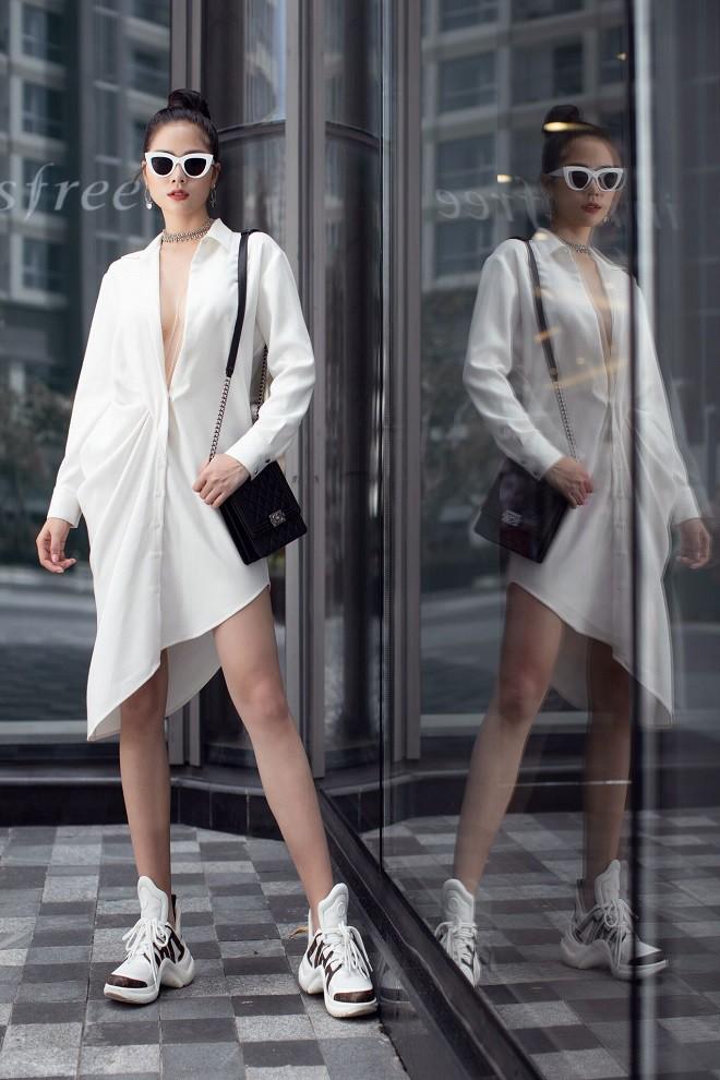 Á hậu Hoàng Hạnh sexy dạo phố - Ảnh 15.