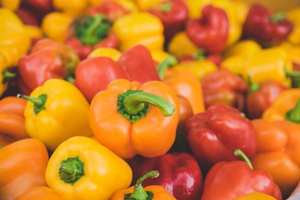 12 siêu thực phẩm giàu vitamin C bạn có thể ăn hàng ngày mà không sợ tốn tiền - Ảnh 1.