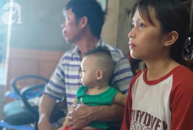 2 đứa con cùng cháu nội mắc bệnh hiểm nghèo, người cha bất lực cầu cứu sự giúp đỡ từ cộng đồng - Ảnh 2.