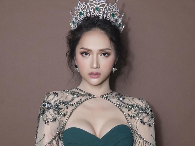 Bức ảnh nhạy cảm và sự kiêu hãnh của Hoa hậu Hương Giang  - Ảnh 4.