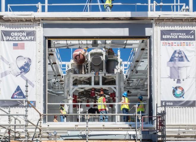 Cận cảnh quá trình thử nghiệm hệ thống tên lửa đẩy trên tàu vũ trụ Orion của NASA - Ảnh 1.