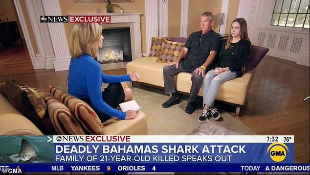 Lời kể lạnh gáy của bố mẹ cô gái chết vì bị cá mập tấn công: Đứa trẻ cố bơi về thuyền bằng 1 cánh tay nhưng con quái vật không tha - Ảnh 2.