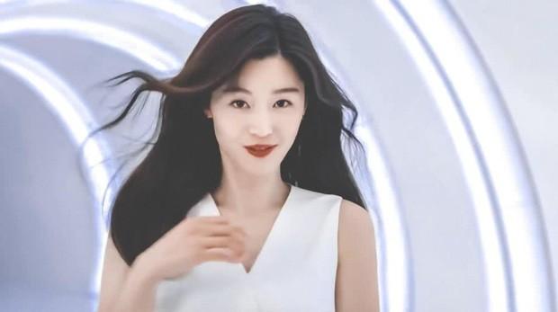 Mợ chảnh Jeon Ji Hyun: Mỹ nhân thành công nhất Kbiz, sự nghiệp, đời tư đều lấn lướt Song Hye Kyo - Kim Tae Hee? - Ảnh 2.