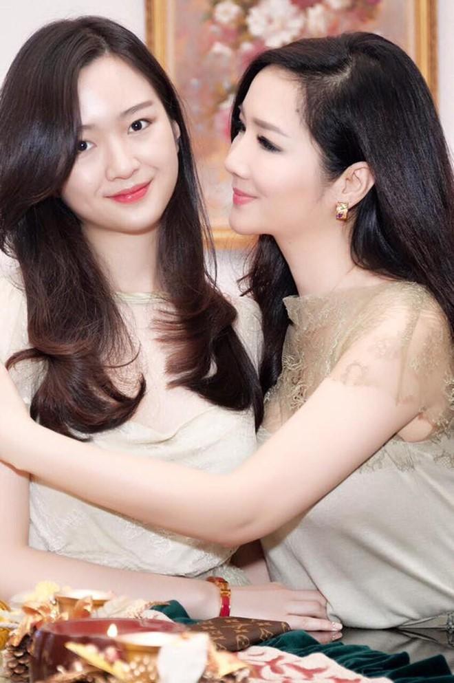 Ngỡ ngàng với diện mạo xinh đẹp của các ái nữ nhà sao Việt: Toàn là những mỹ nhân hàng đầu, sở hữu cuộc sống sang chảnh ai cũng ghen tị - Ảnh 3.