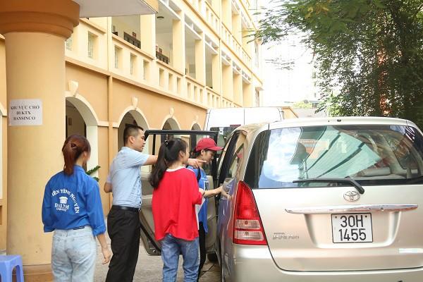 Hàng ngàn tân SV làm thủ tục nhập học đợt 1 tại Trường ĐH Đại Nam - Ảnh 6.