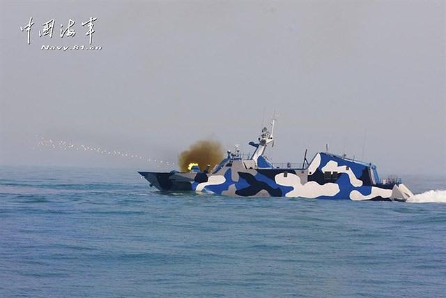 [ẢNH] Trung Quốc gây bất ngờ khi sớm loại biên tàu tên lửa tàng hình Type 022 - Ảnh 7.