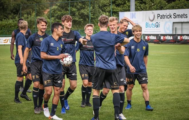 HLV Sint-Truidense VV đang bảo vệ Công Phượng trước đối thủ quá mạnh - Ảnh 1.