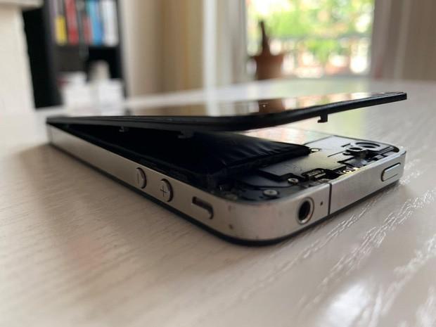 Vứt iPhone cũ trong tủ không dùng, tưởng chừng vô hại để rồi tá hỏa vì cái kết đáng sợ khôn lường - Ảnh 1.