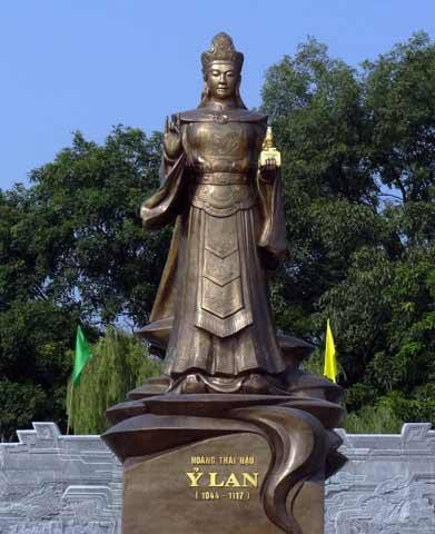 Vì sao đại lễ Vu Lan đầu tiên trong sử sách có từ 901 năm trước, cầu siêu cho bà Ỷ Lan? - Ảnh 2.