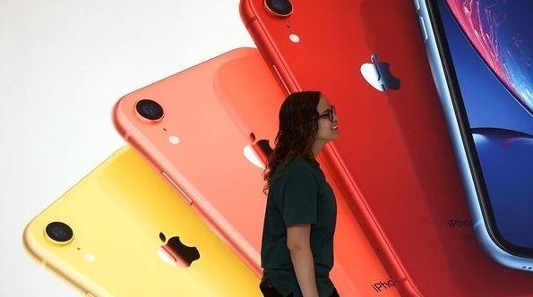 Ứng dụng danh bạ của Apple có thể khiến iPhone, iPad dễ bị hack: Giặc ở sau lưng nhà ngươi đó - Ảnh 1.