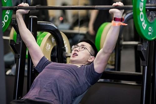 Ai có nguy cơ đột quỵ khi tập gym? - Ảnh 2.