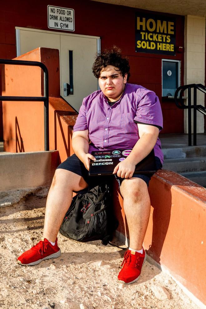 Cậu bé này bị cho nghỉ học vì tìm thấy lỗ hổng trong hệ thống phần mềm của trường - Ảnh 2.