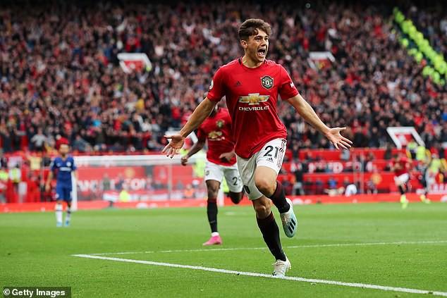 Daniel James: Từ cầu thủ suýt đá hạng ba đến bàn thắng vỡ oà ở Old Trafford - Ảnh 1.