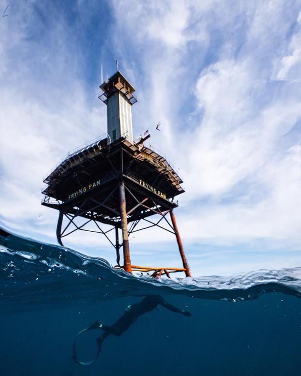 Trải nghiệm ở khách sạn nguy hiểm nhất thế giới, nằm trơ trọi ở độ cao 27m so với mặt nước biển - ảnh 7