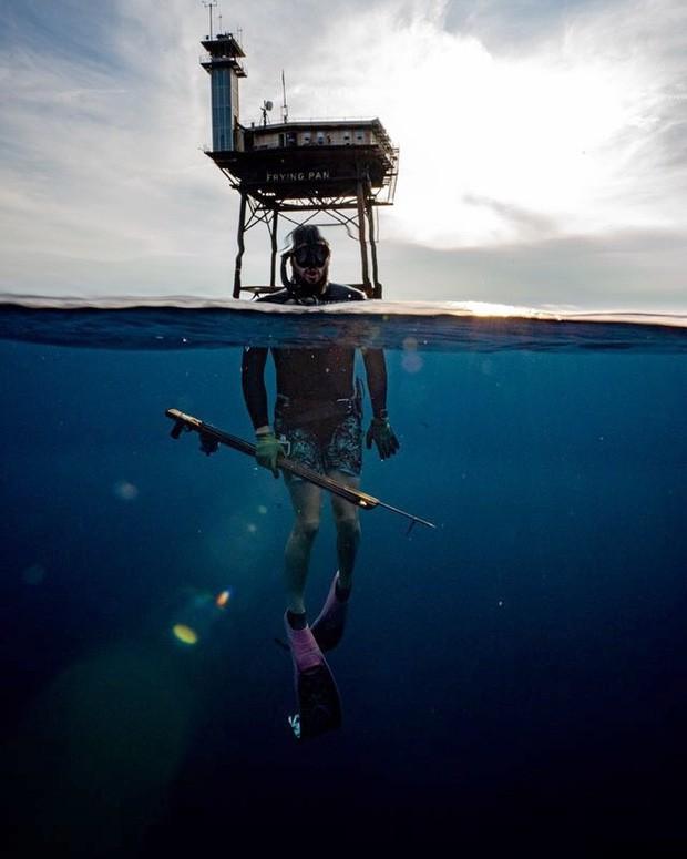 Trải nghiệm ở khách sạn nguy hiểm nhất thế giới, nằm trơ trọi ở độ cao 27m so với mặt nước biển - ảnh 8