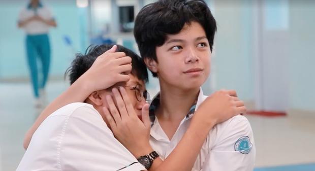 Biểu cảm Anh này của tôi, các người xê ra của hai nam sinh lớp 10 điển trai khiến fan girl chết điếng vì ngỡ xem phim đam mỹ - Ảnh 2.