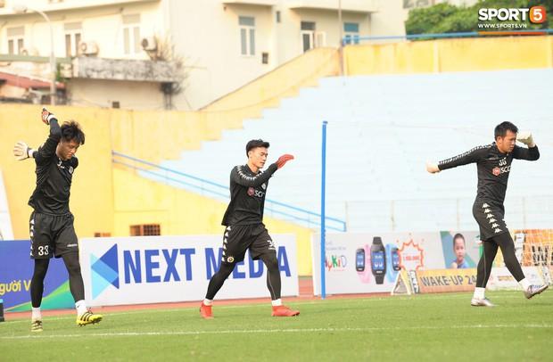 Quảng Nam muốn mượn Phí Minh Long nhưng HLV Chu Đình Nghiêm không đồng ý vì lý do liên quan đến Bùi Tiến Dũng - Ảnh 2.