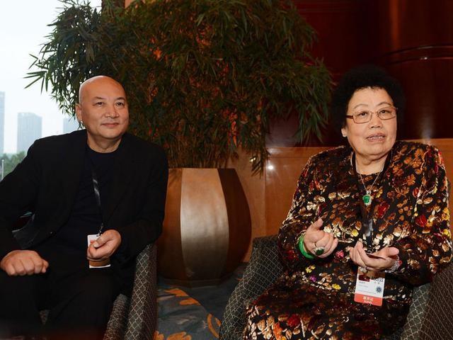 Tài sản khủng của vợ Đường Tăng: Sở hữu hơn 160.000 tỷ đồng, bảo tàng gỗ tử đàn lớn nhất thế giới - Ảnh 3.