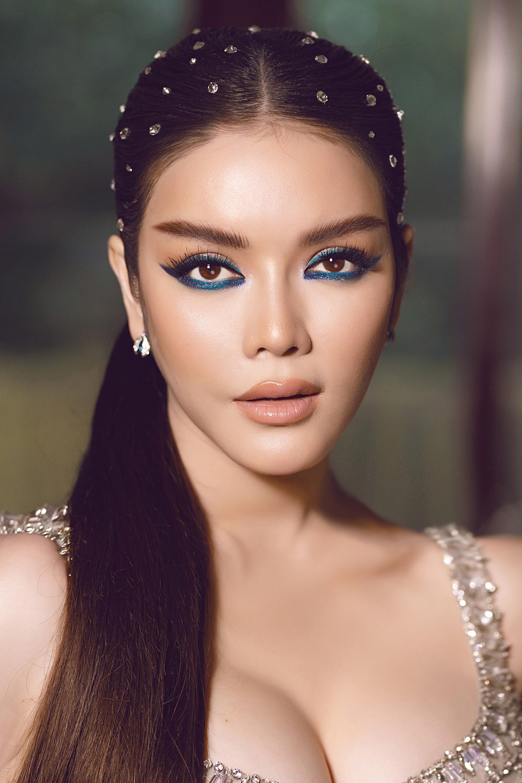 Ly Nha Ky Maintains Timeless Beauty Despite Recent Boyfriend Breakup - hellovpop