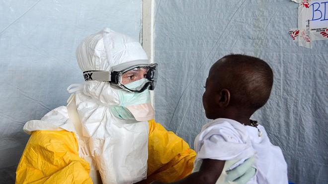 Đột phá: Các nhà khoa học tuyên bố đã chữa được Ebola - Ảnh 2.