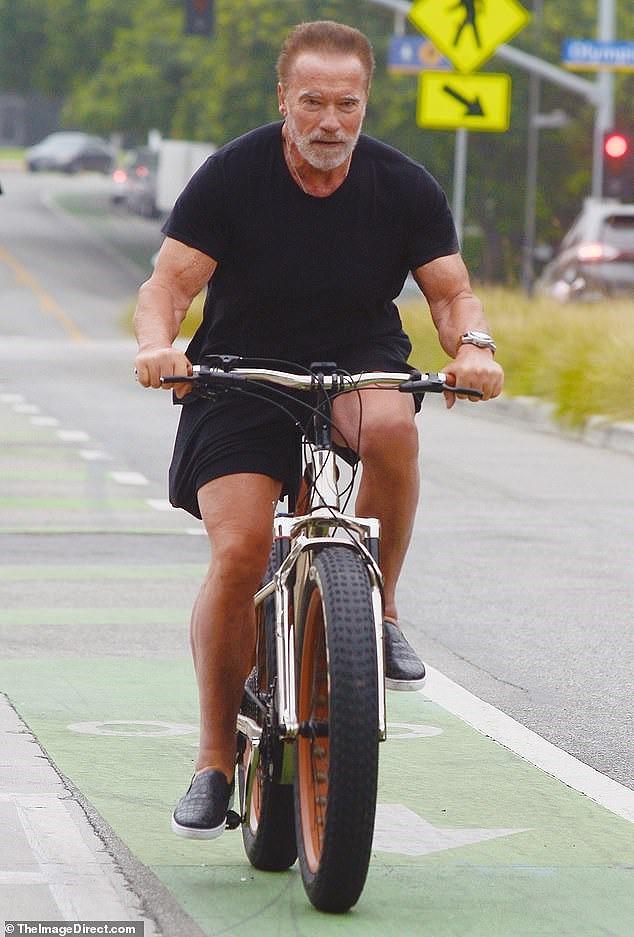 Tài tử Kẻ hủy diệt Arnold Schwarzenegger U80 cơ bắp cuồn cuộn - Ảnh 1.