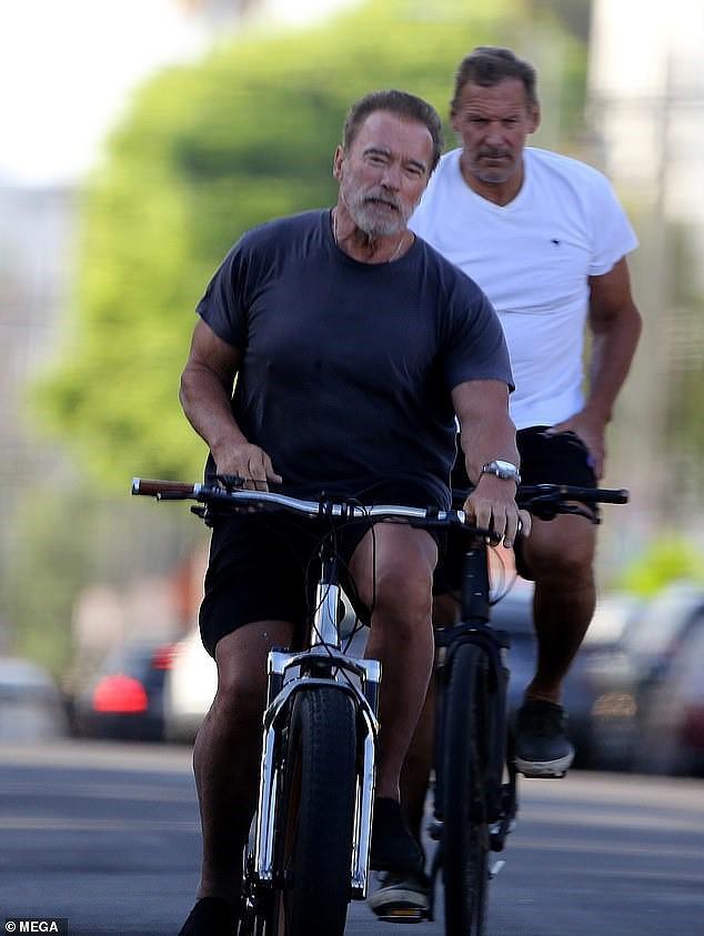 Tài tử Kẻ hủy diệt Arnold Schwarzenegger U80 cơ bắp cuồn cuộn - Ảnh 4.
