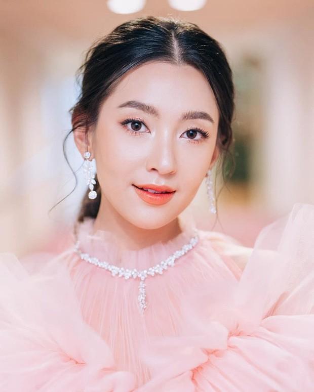 Top sao nữ đẹp từ trong trứng nước của showbiz Thái: Dàn mỹ nhân lai xuất sắc, Nira Chiếc lá bay chưa phải là nhất! - Ảnh 35.