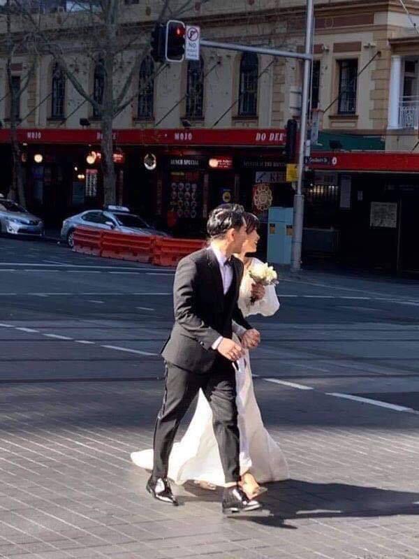 Đông Nhi, Ông Cao Thắng khoe quà cưới sau khi bị bắt gặp chụp hình cưới tại Úc - Ảnh 5.