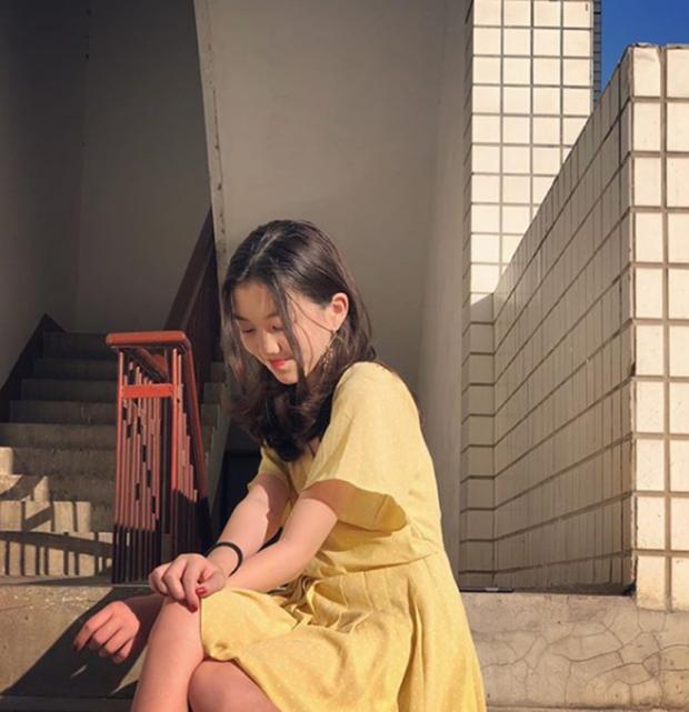 Mới 13 tuổi, con gái hở hàm ếch của Vương Phi gây sốt vì quá thần thái, make up điệu đà, tạo dáng thục nữ chụp ảnh - Ảnh 5.