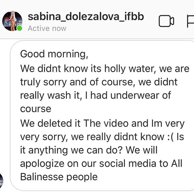 Dùng nước thiêng ở ngôi đền nổi tiếng Bali để… rửa mông, cặp người mẫu bị chỉ trích gay gắt - ảnh 15