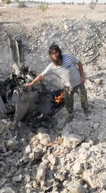 Bí ẩn số phận phi công trên chiến đấu cơ Sukhoi vừa bị bắn hạ - Chiến sự Syria nóng rực, phiến quân hoảng loạn - Ảnh 12.