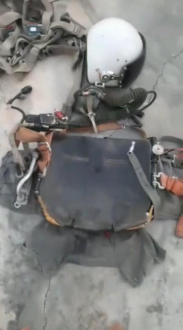 Bí ẩn số phận phi công trên chiến đấu cơ Sukhoi vừa bị bắn hạ - Chiến sự Syria nóng rực, phiến quân hoảng loạn - Ảnh 5.