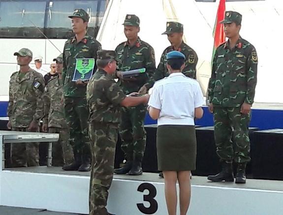 Việt Nam giành giải ba bài Bắn tỉa trong hành tiến - Ảnh 2.