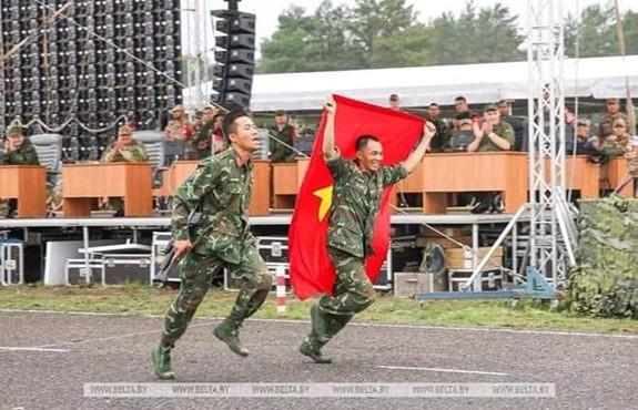 Việt Nam giành giải ba bài Bắn tỉa trong hành tiến - Ảnh 1.