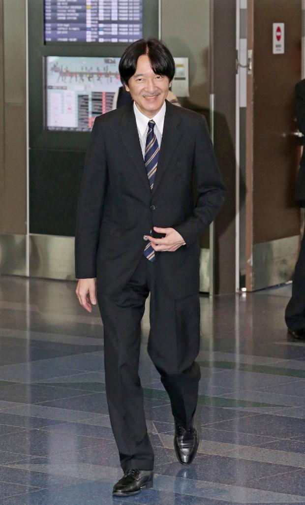 Gia đình Thái tử Nhật Bản đến sân bay khởi hành đến Bhutan, sự xuất hiện của Hoàng tử nhỏ gây chú ý hơn cả - Ảnh 2.