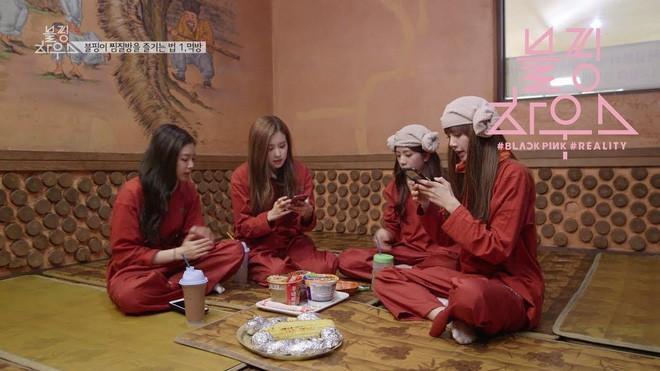 Xông hơi jjimjibang Hàn Quốc: Buộc phải trần như nhộng khiến người nước ngoài sốc nặng nhưng lại chứa đựng nét văn hóa trút bỏ khoảng cách đầy ý nghĩa - Ảnh 14.