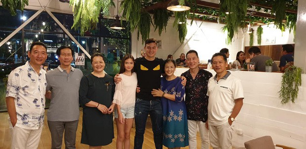 Tâm sự xúc động của bố Văn Lâm thuở cơ hàn: Bác ruột phải bán chiếc khuyên tai vàng của bà nội để nuôi hai bố con - Ảnh 3.