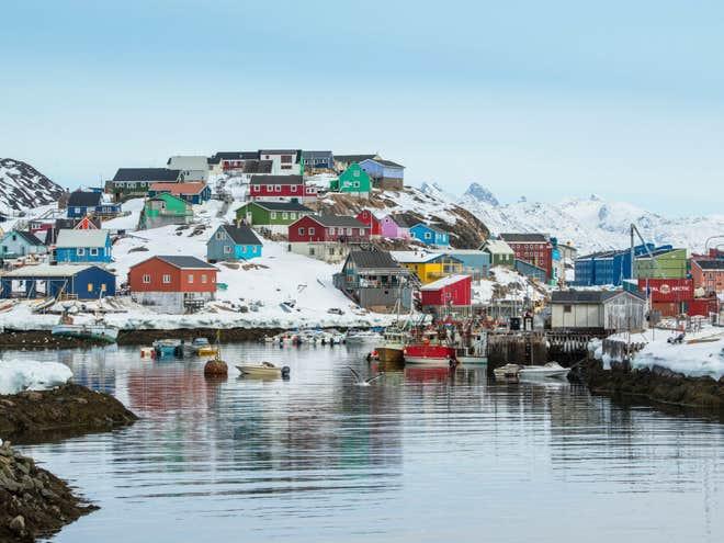Tỏ ý muốn mua đảo lớn nhất thế giới, ông Trump bị tạt hàng loạt gáo nước lạnh - Ảnh 1.