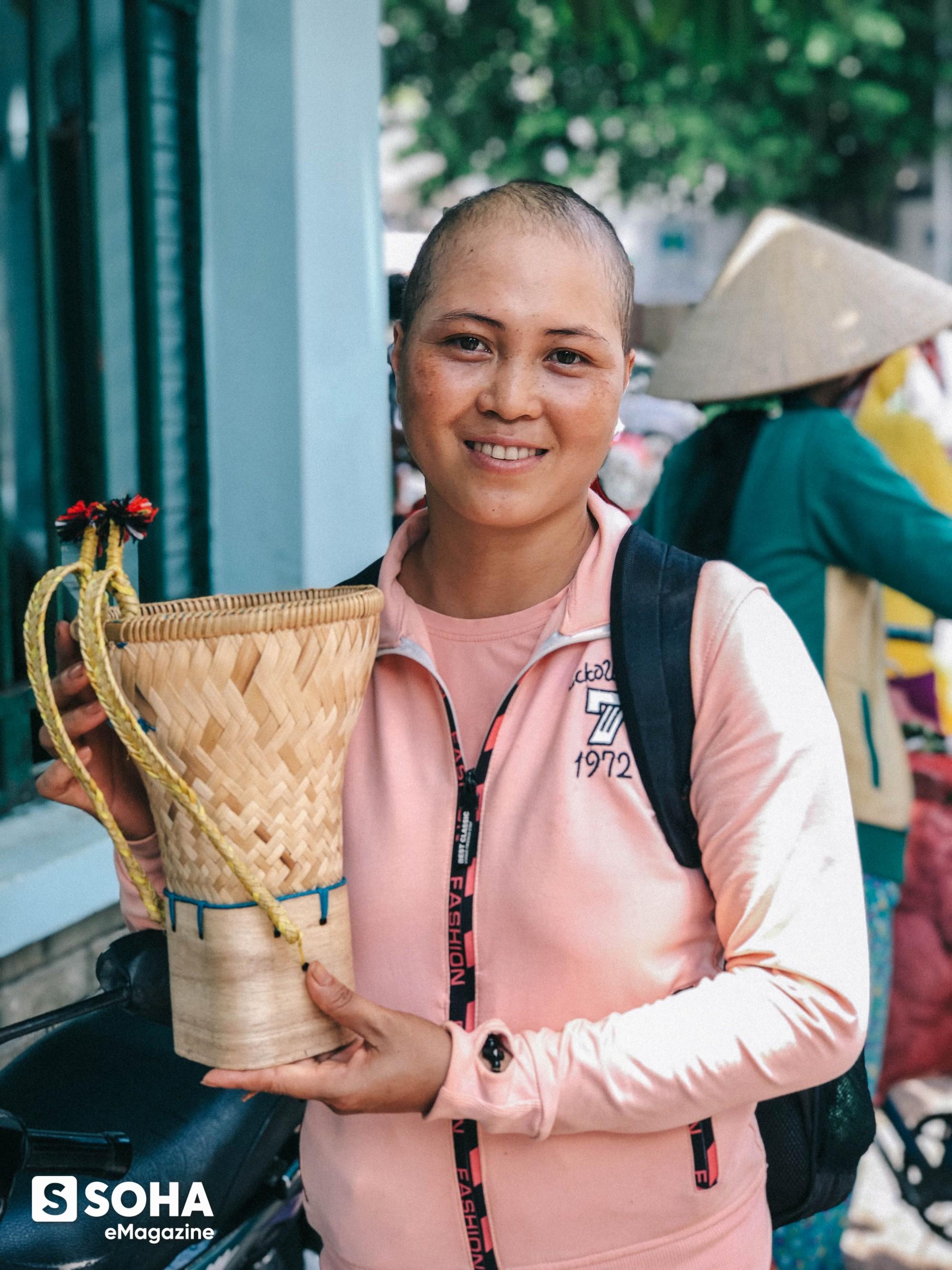 """""""Không được phép chết ở Sài Gòn"""": Suất cơm 2000 đồng và ước mơ nhỏ nhoi của người phụ nữ ung thư giai đoạn cuối - Ảnh 11."""