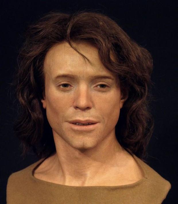 Nhà khảo cổ học điêu khắc gương mặt của người thật sống hàng nghìn năm về trước, đẹp từng milimet khiến nhiều người bị lừa - Ảnh 2.