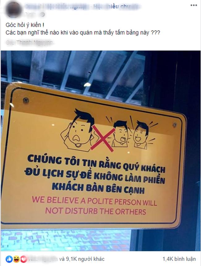 Quán ăn gây tranh cãi vì đặt tấm bảng khuyên khách lịch sự nơi công cộng - ảnh 1