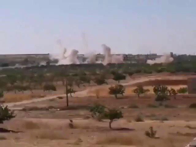 Căng thẳng tăng cao, phiến quân sụp đổ, Thổ Nhĩ Kỳ cấp tốc ứng cứu - QĐ Syria được lệnh tấn công, bất kể là ai - Ảnh 5.