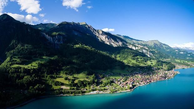 Đoạn clip quay vội tại Thụy Sĩ hot rần rần với gần 3 triệu view, xem xong cứ ngẩn ngơ vì không biết là mơ hay thật - ảnh 4