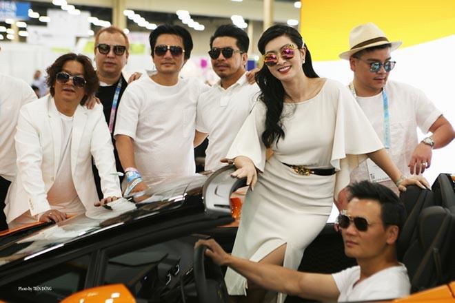 Nguyễn Hồng Nhung khoe dáng bên siêu xe 16 tỷ đồng, tiết lộ thu nhập khủng tại Mỹ - Ảnh 6.