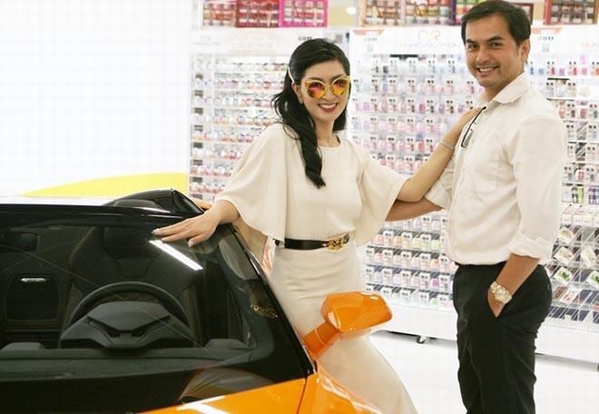 Nguyễn Hồng Nhung khoe dáng bên siêu xe 16 tỷ đồng, tiết lộ thu nhập khủng tại Mỹ - Ảnh 8.
