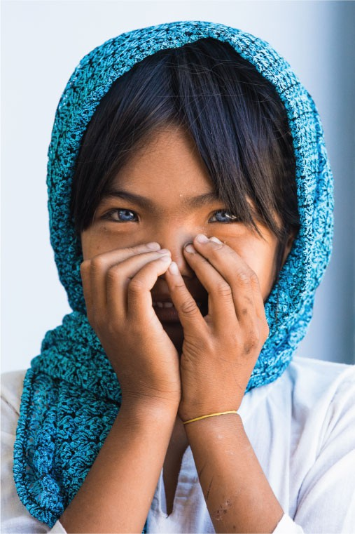 Nhiếp ảnh gia người Pháp và hành trình đi tìm màu mắt lạ của hai cô gái Việt Nam - ảnh 2