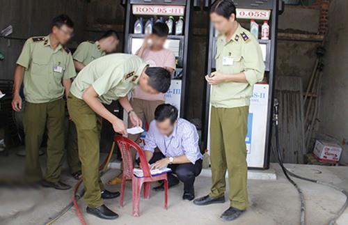 GĐ Chi nhánh Petro Bình Phước có quan hệ gì đường dây xăng giả Trịnh Sướng? - Ảnh 2.