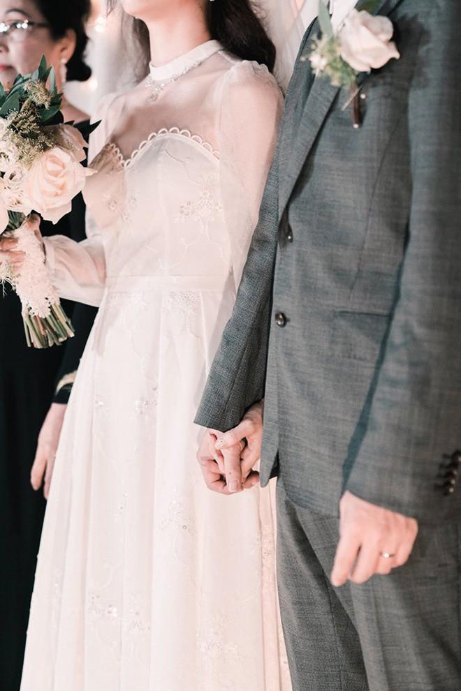 Cô gái tự tay may váy cưới cho mình khiến dân mạng phục sát đất: Đây chắc chắn sẽ là cô dâu xinh đẹp nhất! - Ảnh 5.